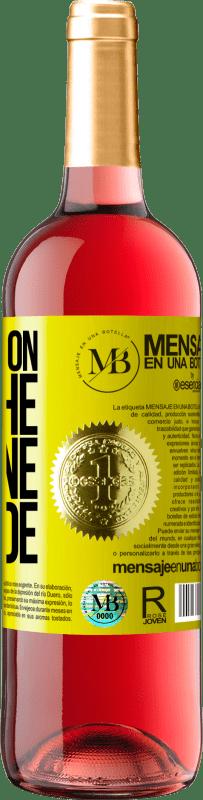 18,95 € Envoi gratuit | Vin rosé Édition ROSÉ Walking on the Wine Side® Étiquette Jaune. Étiquette personnalisée D.O. Cigales Vin jeune Espagne Tempranillo