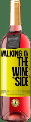 18,95 € Envío gratis | Vino Rosado Edición ROSÉ Walking on the Wine Side® Etiqueta Amarilla. Etiqueta personalizada D.O. Cigales Vino joven Cosecha 2019 España Tempranillo