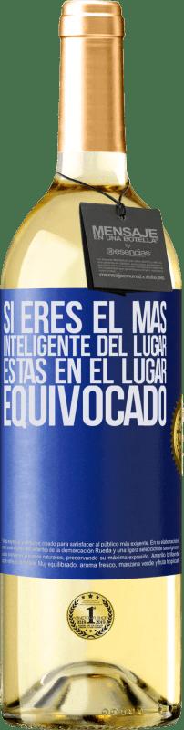 24,95 € Envío gratis   Vino Blanco Edición WHITE Si eres el más inteligente del lugar, estas en el lugar equivocado Etiqueta Azul. Etiqueta personalizable Vino joven Cosecha 2020 Verdejo
