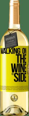 18,95 € Envío gratis | Vino Blanco Walking on the Wine Side® Etiqueta Amarilla. Etiqueta personalizada D.O. Rueda Vino joven Cosecha 2019 España Verdejo