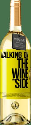 18,95 € Spedizione Gratuita | Vino bianco Walking on the Wine Side® Etichetta Gialla. Etichetta personalizzata D.O. Rueda Vino giovane Raccogliere 2019 Spagna Verdejo