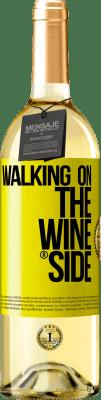 24,95 € Envio grátis | Vinho branco Edição WHITE Walking on the Wine Side® Etiqueta Amarela. Etiqueta personalizável Vinho jovem Colheita 2020 Verdejo