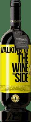 24,95 € Spedizione Gratuita | Vino rosso Edizione Premium MBS. Walking on the Wine Side® Etichetta Gialla. Etichetta personalizzata I.G.P. Vino de la Tierra de Castilla y León Invecchiamento in botti di rovere 12 Mesi Raccogliere 2016 Spagna Tempranillo