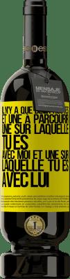24,95 € Envoi gratuit | Vin rouge Édition Premium RED MBS Il n'y a que deux routes, et une à parcourir, une sur laquelle tu es avec moi et une sur laquelle tu es avec lui Étiquette Jaune. Étiquette personnalisée I.G.P. Vino de la Tierra de Castilla y León Vieillissement en fûts de chêne 12 Mois Récolte 2016 Espagne Tempranillo