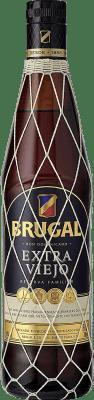 17,95 € Envio grátis | Rum Brugal Extra Viejo República Dominicana Garrafa 70 cl. | Milhares de amantes do vinho confiam em nós com a garantia do melhor preço, envio sempre grátis e compras e devoluções sem complicações.