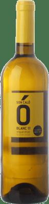 6,95 € Envío gratis | Vino blanco Miquel Oliver Son Caló Blanc D.O. Pla i Llevant Islas Baleares España Premsal Botella 75 cl