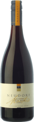 62,95 € Free Shipping | Red wine Neudorf Moutere Crianza I.G. Nelson Nelson New Zealand Pinot Black Bottle 75 cl