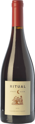 13,95 € Free Shipping | Red wine Veramonte Ritual Crianza I.G. Valle de Casablanca Valley of Casablanca Chile Pinot Black Bottle 75 cl