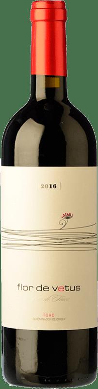 19,95 € Envío gratis | Vino tinto Vetus Flor Joven D.O. Toro Castilla y León España Tinta de Toro Botella Mágnum 1,5 L