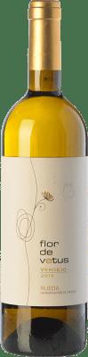 7,95 € Envio grátis | Vinho branco Flor de Vetus D.O. Rueda Castela e Leão Espanha Verdejo Garrafa 75 cl. | Milhares de amantes do vinho confiam em nós com a garantia do melhor preço, envio sempre grátis e compras e devoluções sem complicações.