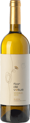 8,95 € Envío gratis | Vino blanco Flor de Vetus D.O. Rueda Castilla y León España Verdejo Botella 75 cl