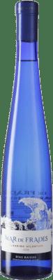 9,95 € Envio grátis | Vinho branco Mar de Frades Joven D.O. Rías Baixas Galiza Espanha Albariño Meia Garrafa 50 cl