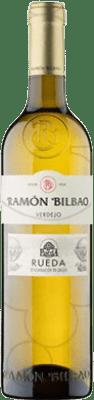 4,95 € Envío gratis | Vino blanco Ramón Bilbao Joven D.O. Rueda Castilla y León España Verdejo Media Botella 50 cl
